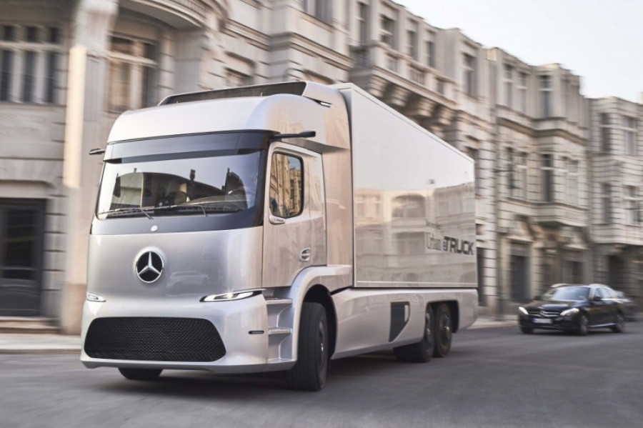 Mercedes benz urban etruck 25964