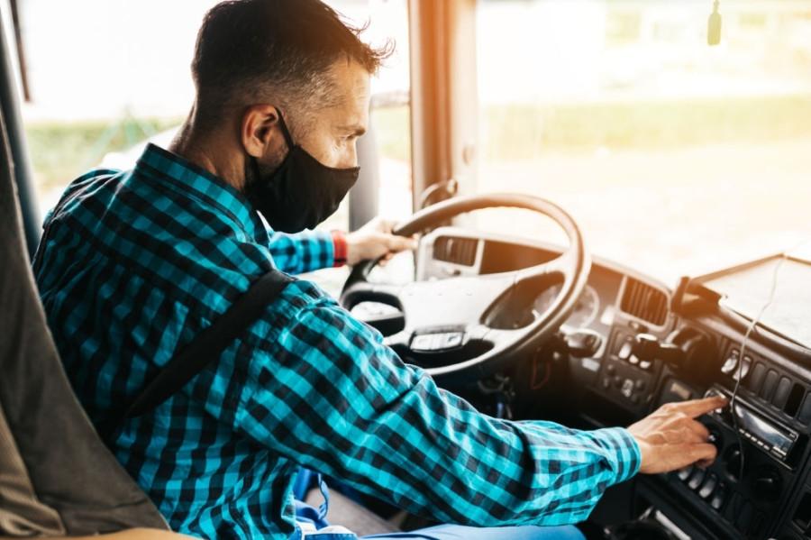 Conductor camion mascarilla